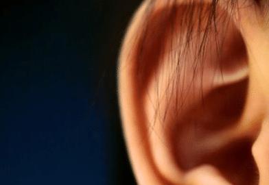 blackheads-in-ear-1