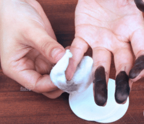 how to remove hair dye from hands